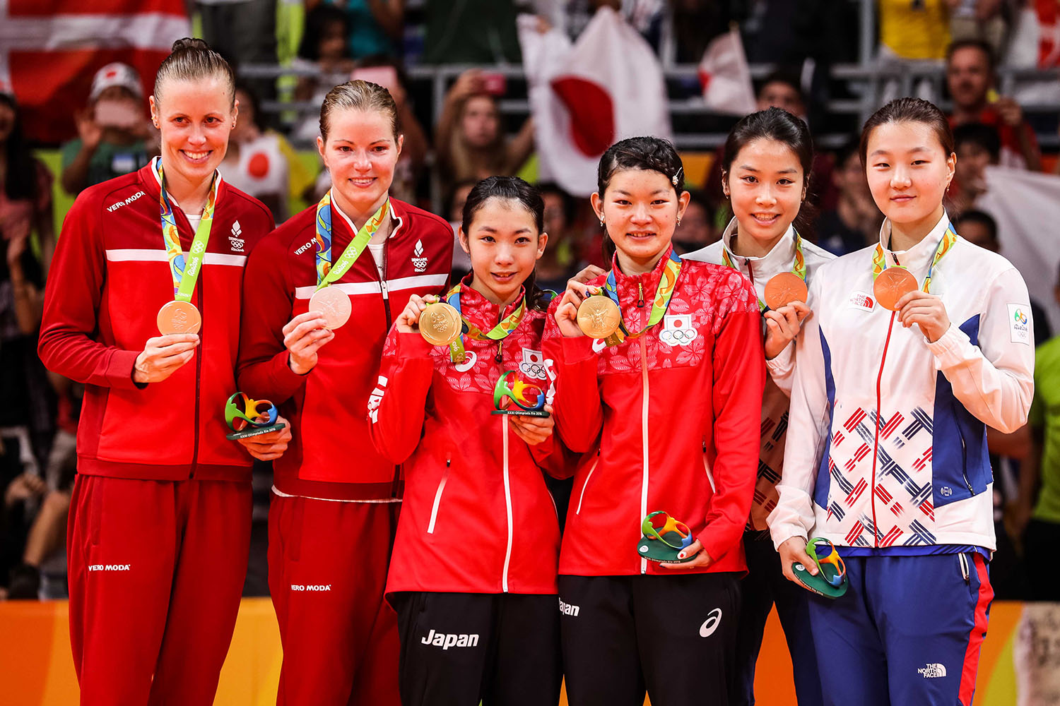 Women's Doubles medallists - presentation ceremony