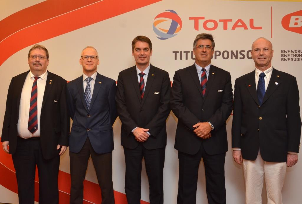BWF President Poul-Erik Høyer (third left) and BWF Deputy President Gustavo Salazar Delgado (second right) are pictured with the delegation from Basel, Switzerland.